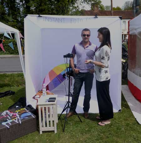 Instant photo stall