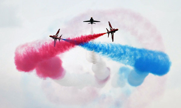 Red Arrows by Peter Gardener